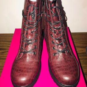 SO Bowfin Women's Combat Boots - Size 9.5